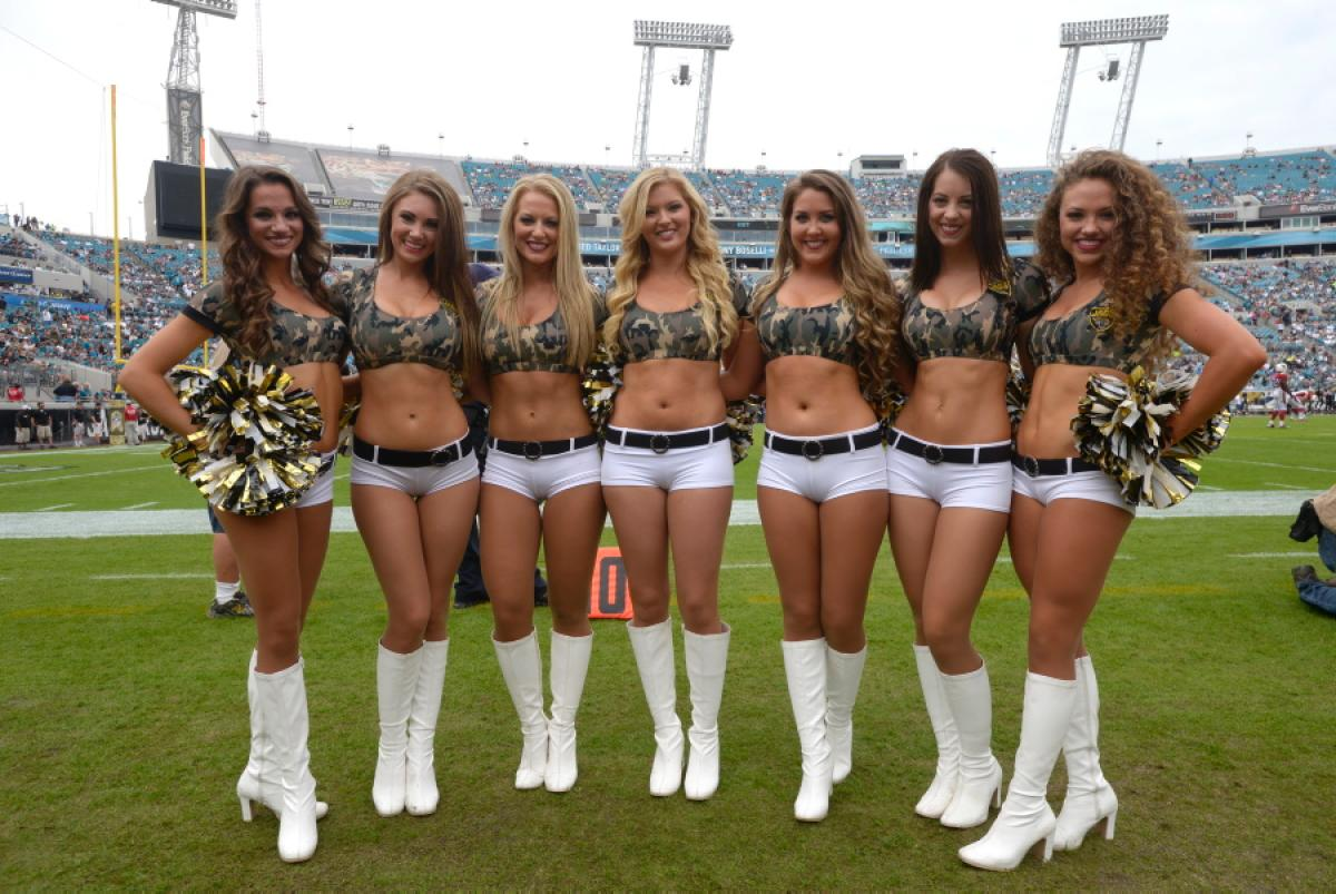 nfl-cheerleaders-week-11.jpg